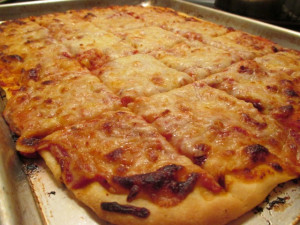 Thin crust pizza, www.goodfoodgourmet.com
