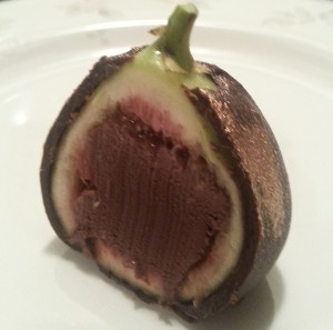 Chocolate Truffle Holiday Figs, www.goodfoodgourmet.com
